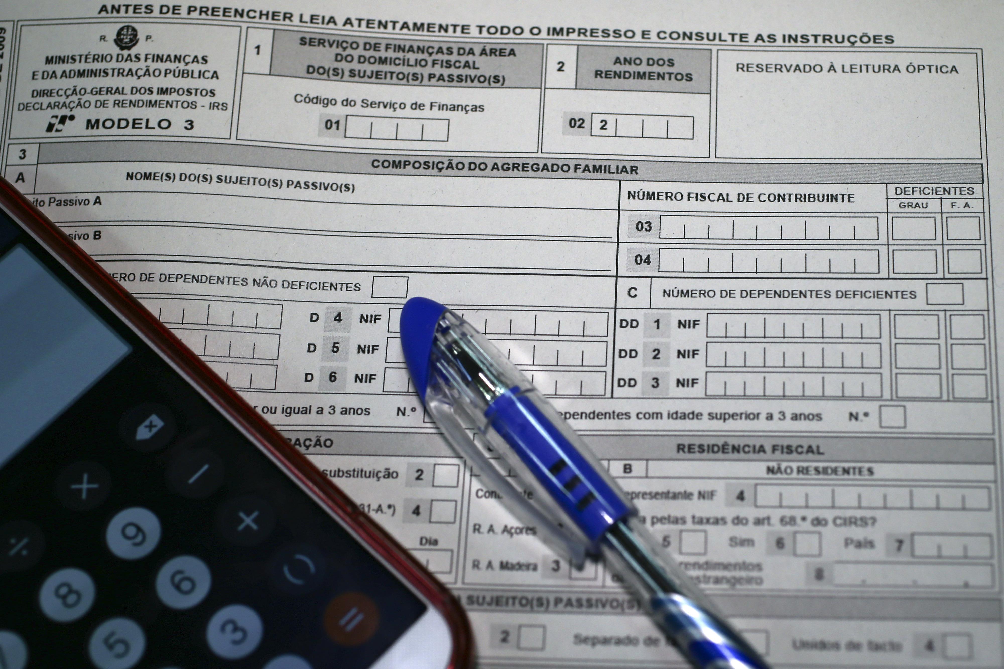 Divorciados vão poder dividir filhos no IRS - secretário de Estado