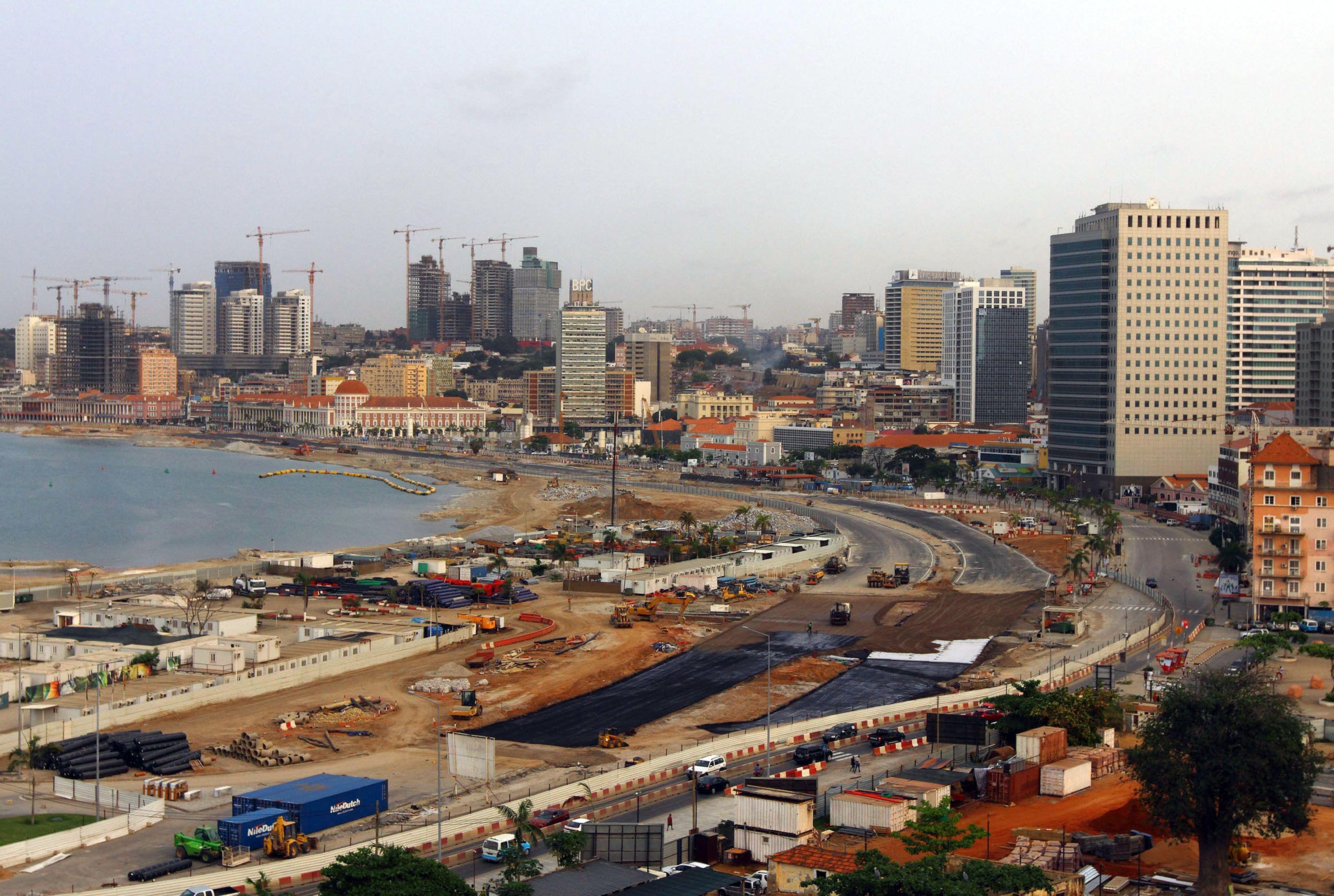 Deputados angolanos pedem ao Governo fiscalização às infraestruturas
