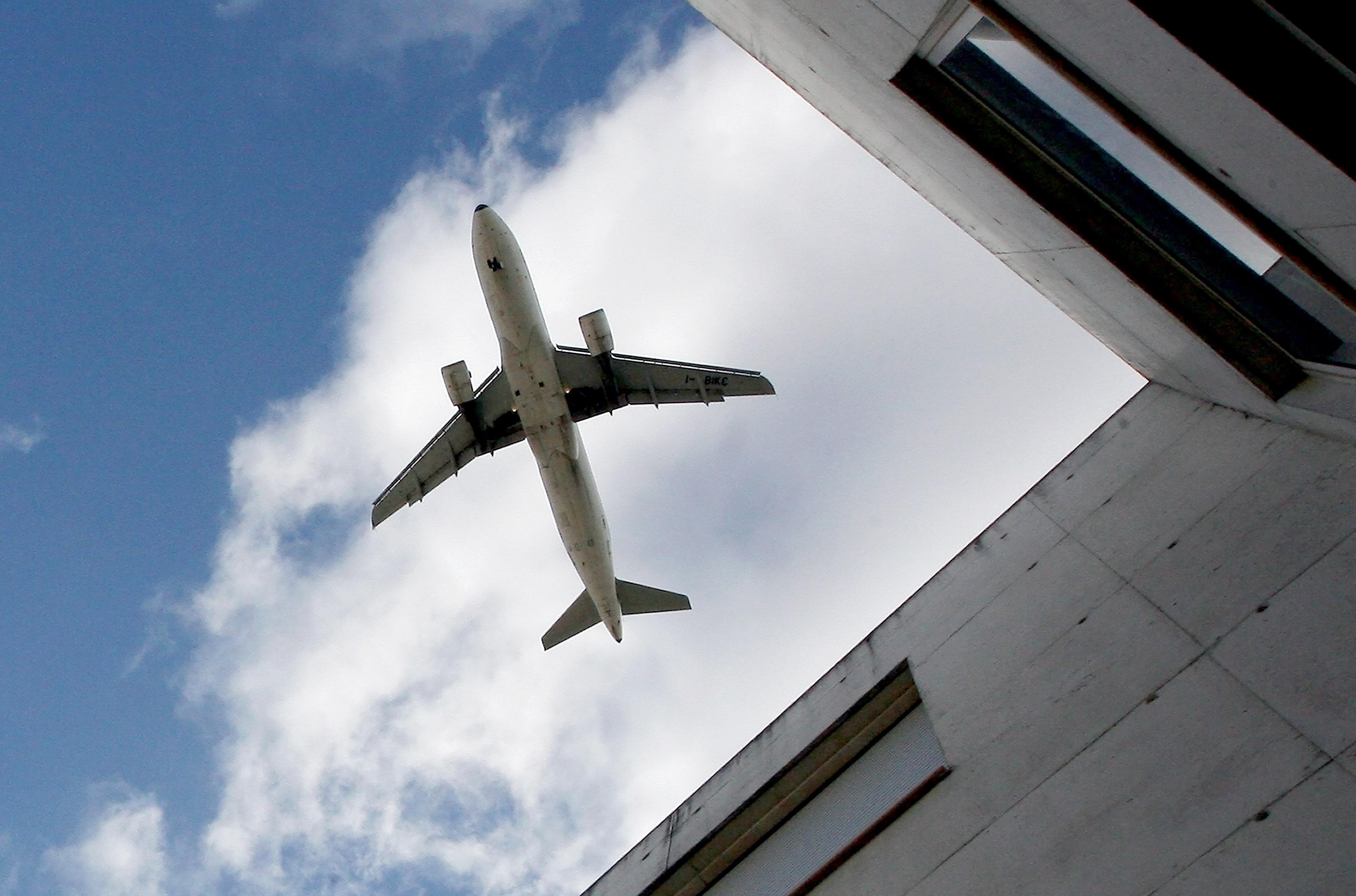 Avião com destino a Lisboa aterra de emergência em Sevilha devido a morte de passageira