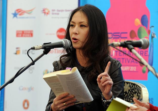 Amy Chua, professora de direito na Universidade de Yale, obrigou as filhas a ter nota máxima a todas as disciplinas.