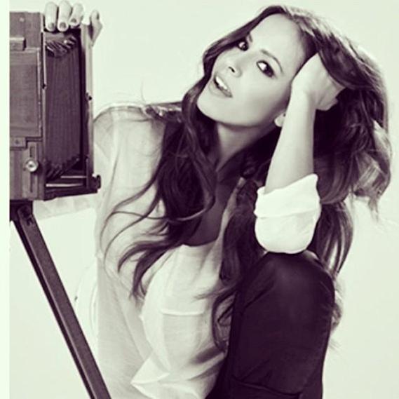 A atriz Mariana Monteiro passou uma parte do fim de semana numa produção fotográfica, tendo partilhado esta imagem com os seus seguidores.