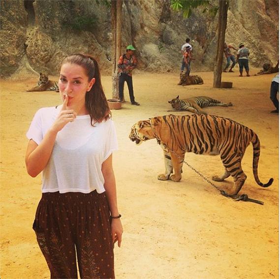 Por terra tailandesas, Dânia Neto tem aproveitado para viver algumas experiências mais radicais...