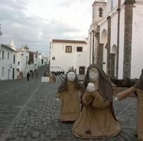 Presépio de rua com quase 50 figuras em tamanho real anima Natal em Monsaraz