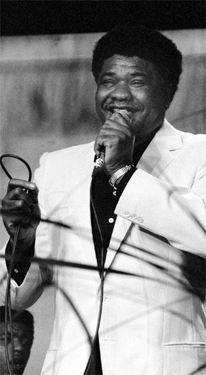 Bana, quase 70 anos a cantar Cabo Verde