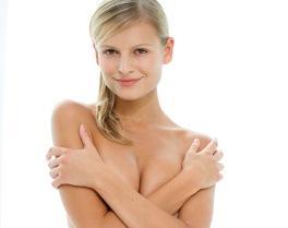 Correção de um peito depois de alimentação