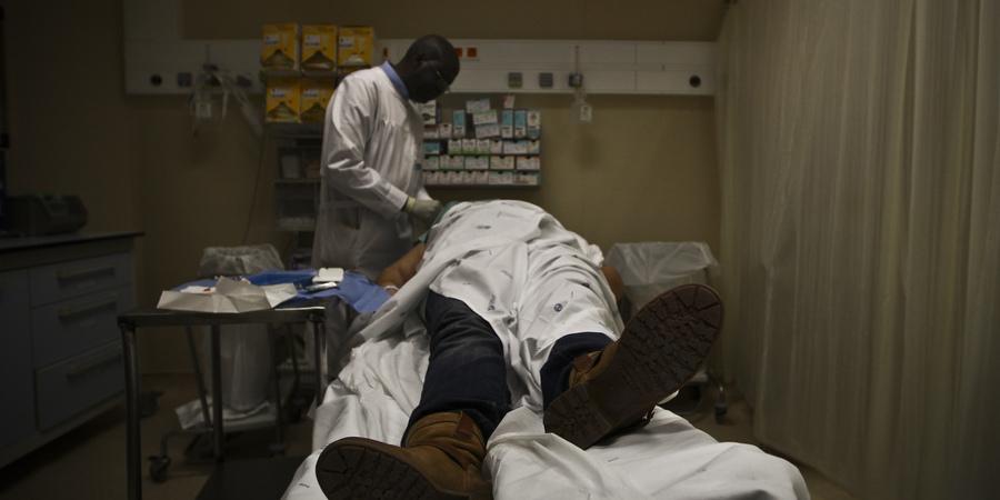 Maioria dos médicos tarefeiros já trabalha no SNS, diz ministro