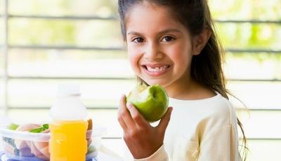 5 nutrientes essenciais para crianças em idade escolar