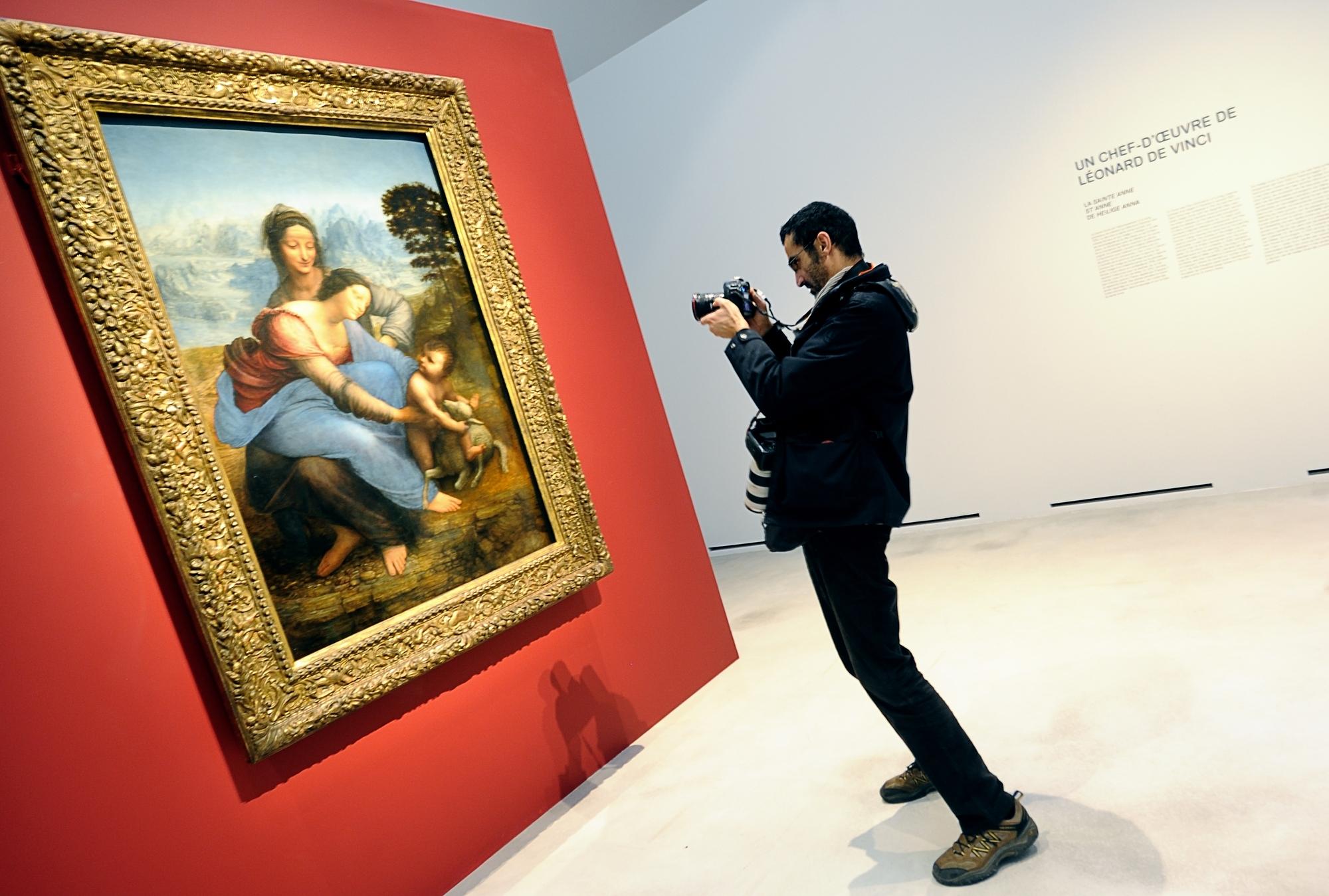 Governo italiano dá 500 euros a jovens para gastarem em cultura