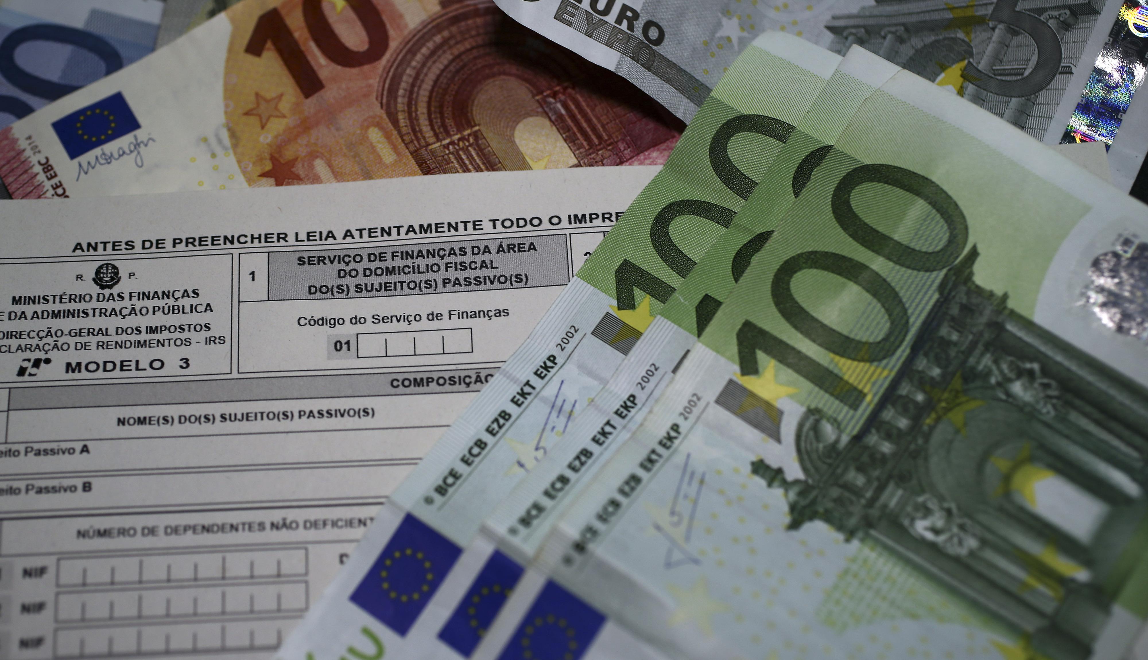Governo tem 200ME para aliviar carga fiscal a baixos rendimentos, pouco para BE e PCP