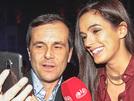 VIPs aplaudem novo smartphone