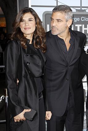 """Sarah Larson, empregada de mesa num casino de Las Vegas, manteve um namoro com Clooney entre 2007 e 2008. Finda a relação, a jovem voltou ao seu antigo local de trabalho """"com o coração destroçado""""."""