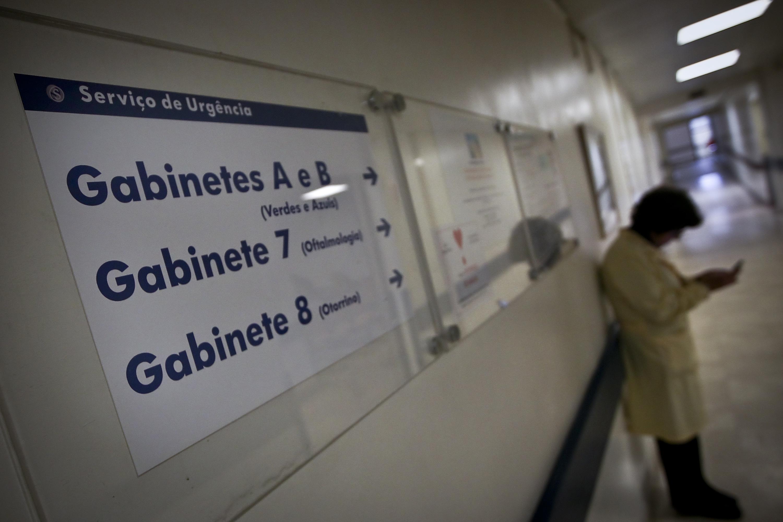 Hospital diz que não faltou atendimento a idoso que morreu após três dias no corredor da urgência