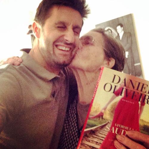 Daniel Oliveira homenageia os avós