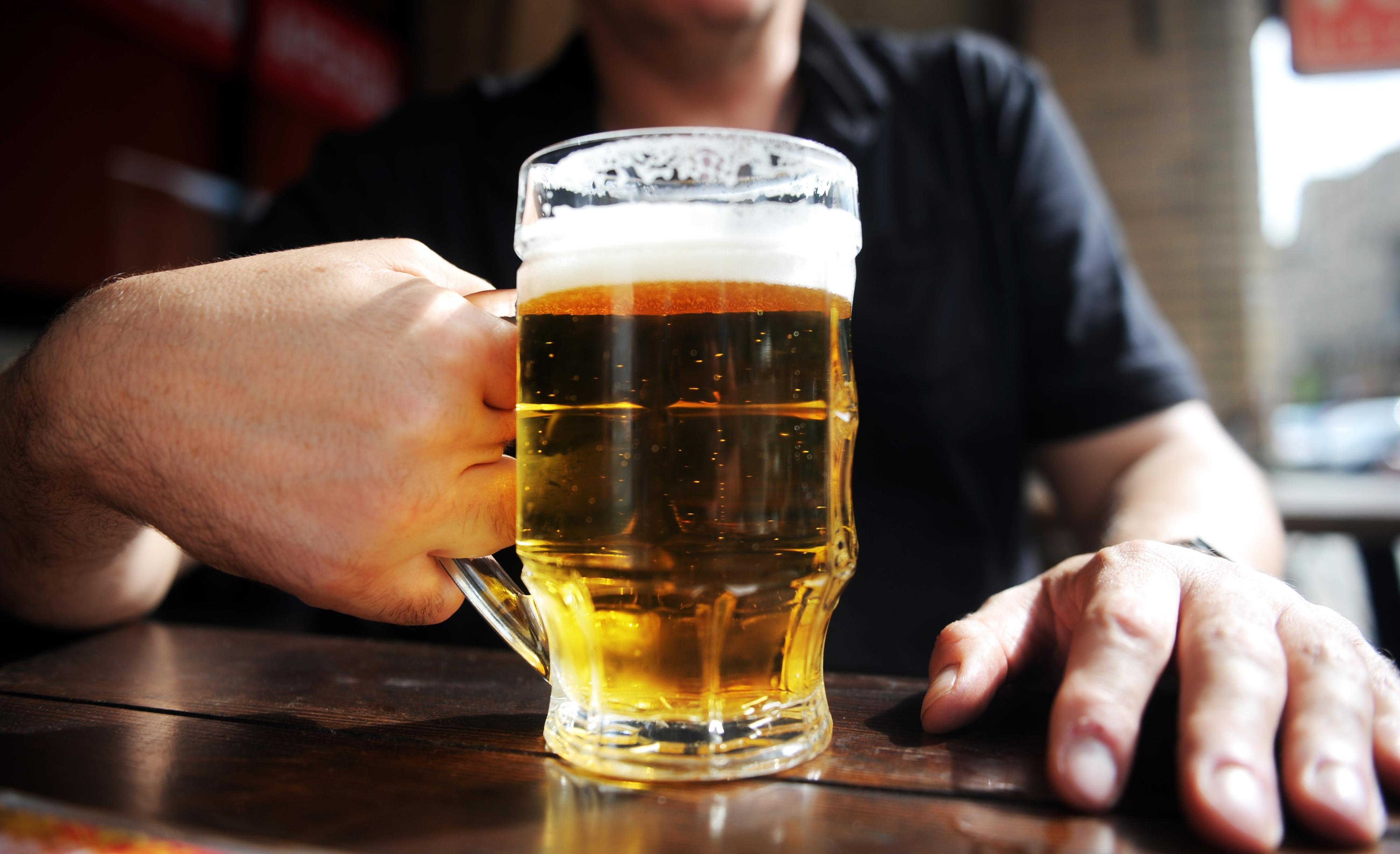 Covid-19: Empresa de Cervejas da Madeira coloca os 242 trabalhadores em 'lay-off'