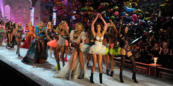 """""""Show"""" da Victoria's Secret em Londres"""