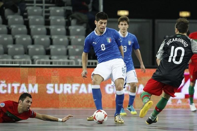 Itália arrasa República Checa por 7-0