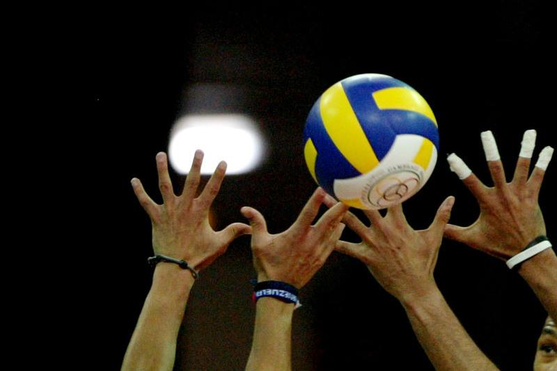 Voleibol: República Checa impõe-se a Cuba na estreia na Taça Challenger