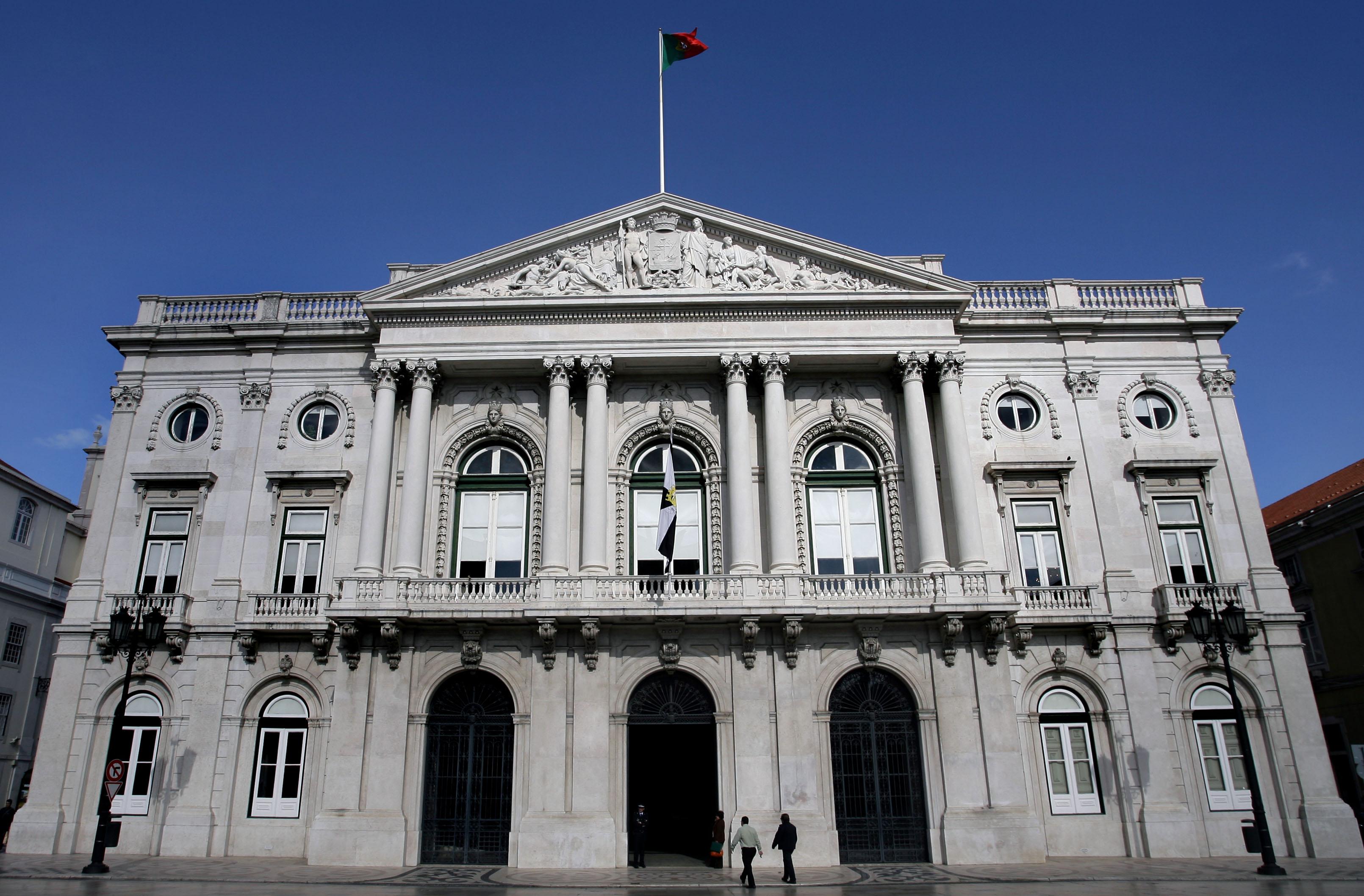 Câmara de Lisboa aprova moção para realização de investimento no SNS sem apoio do PS