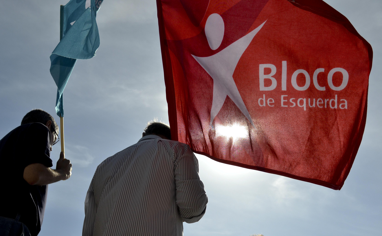 Ativistas do Bloco de Esquerda tapam estátua de Gomes da Costa em Braga e desafiam população a repensar os seus símbolos